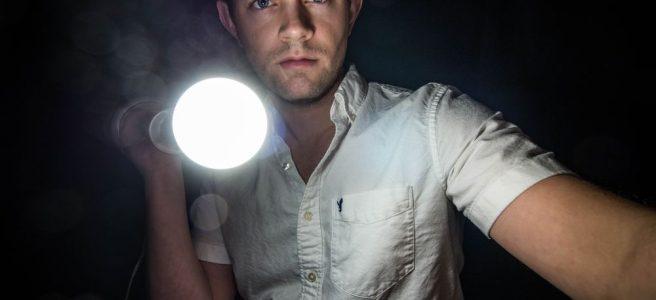 Lommelykt hjelper godt i mørket