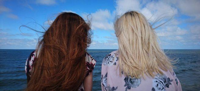 Beskytt håret ditt på solfylte feriedager